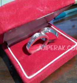 Cincin Perak Couple untuk Tunangan